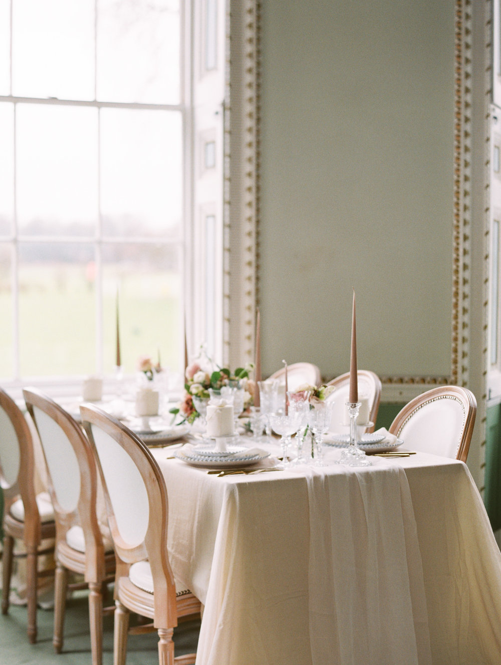 The Timeless Stylist-Elegant and Romantic Wedding Styling-Soft and Gentle Wedding Tablescape