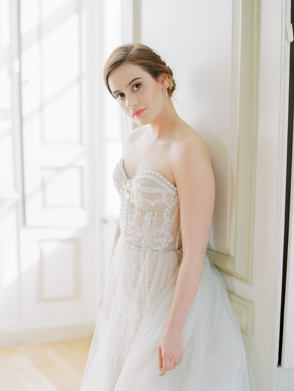 The Timeless Stylist-Elegant and Romantic Wedding Styling-Natural Bride