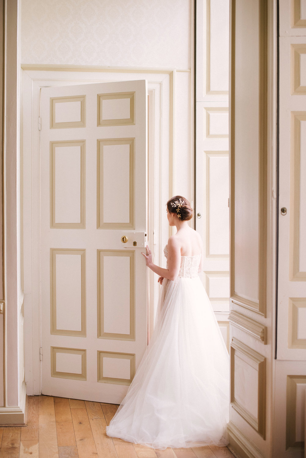 The Timeless Stylist-Elegant and Romantic Wedding Styling-Timeless and Fine Art Bride