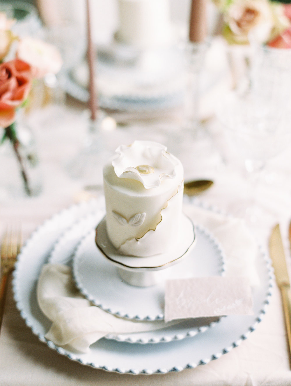 The Timeless Stylist-Elegant and Romantic Wedding Styling-Mini Cake Place Setting