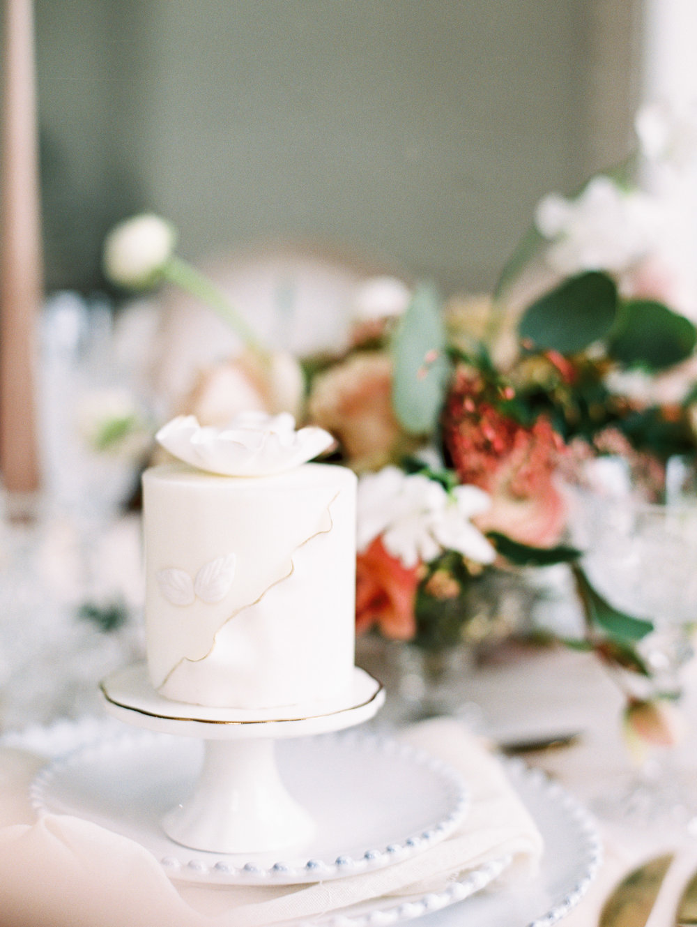 The Timeless Stylist-Elegant and Romantic Dinner Party Styling-Mini Cake Place Setting