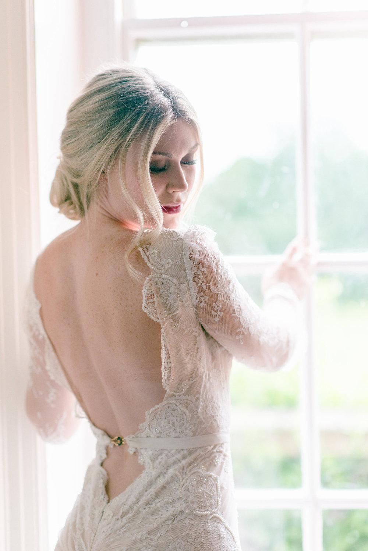 The Timeless Stylist-Elegant and Romantic Wedding Styling-Elegant Bride