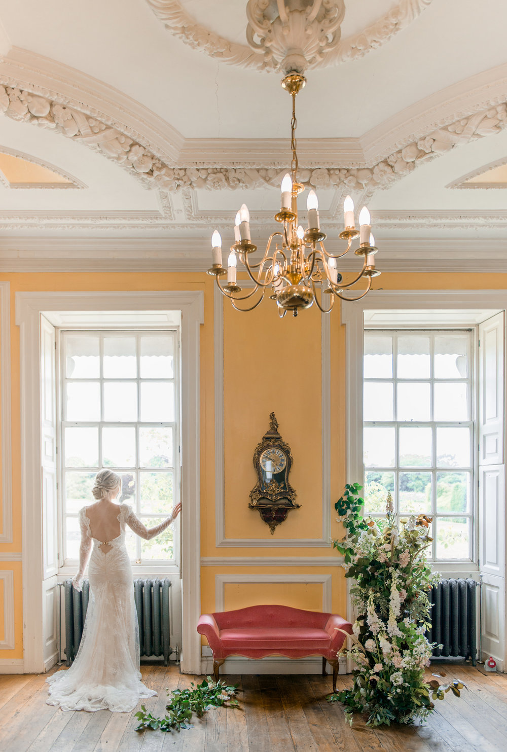 The Timeless Stylist-Elegant and Romantic Wedding Styling-Stately Home Wedding Venue Editorial Shoot