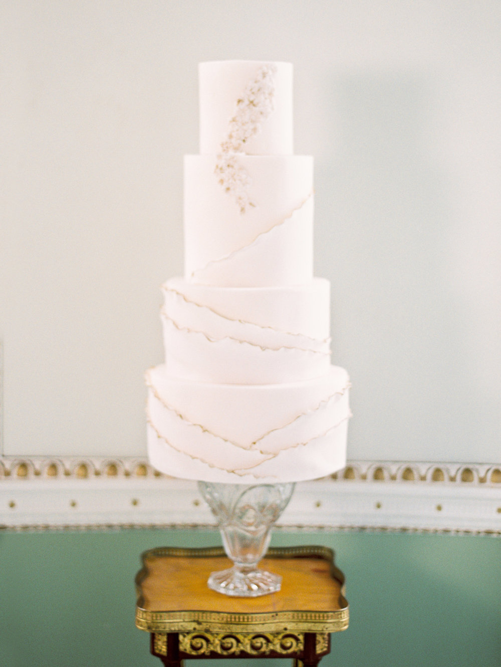The Timeless Stylist-Elegant and Romantic Wedding Styling-Elegant Wedding Cake.jpg