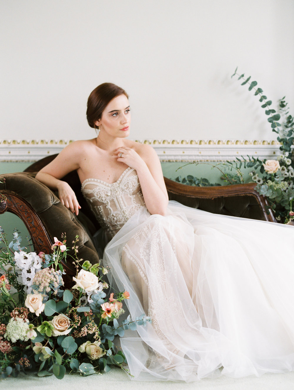The Timeless Stylist-Elegant and Romantic Wedding Styling-Classic and Timeless Fine Art Bride.jpg