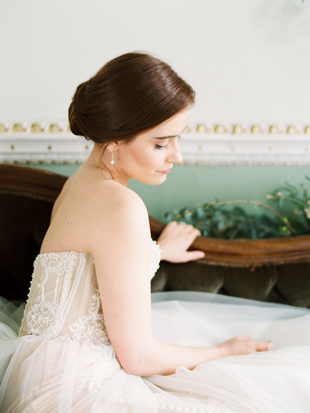 The Timeless Stylist-Elegant and Romantic Wedding Styling-Classic Bridal Hair.jpg