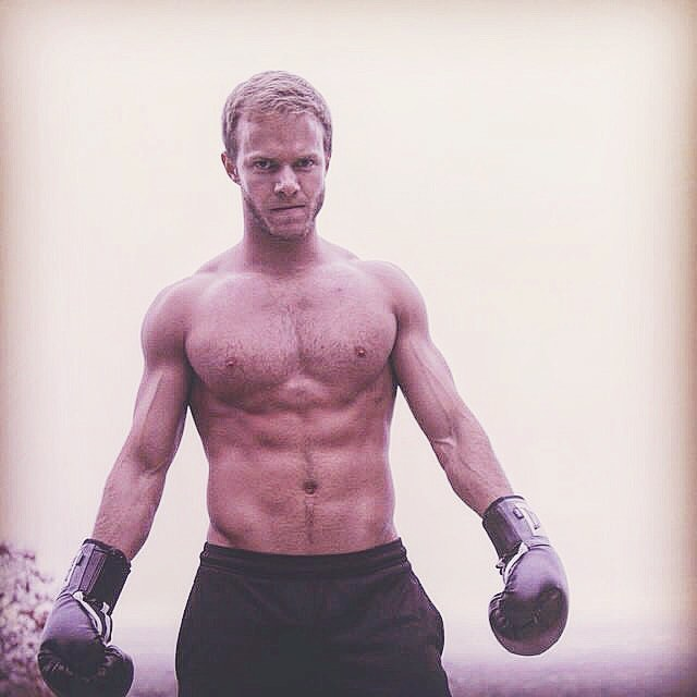 Throwback to boxing in the cold! Or pretending to box, but the cold was real. #tbt #cold #fitness #fit #boxing #singer