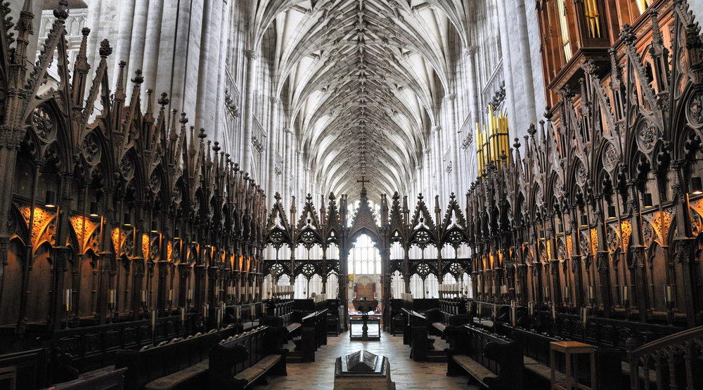 Transept at Winchester Cathedral – imgur.com