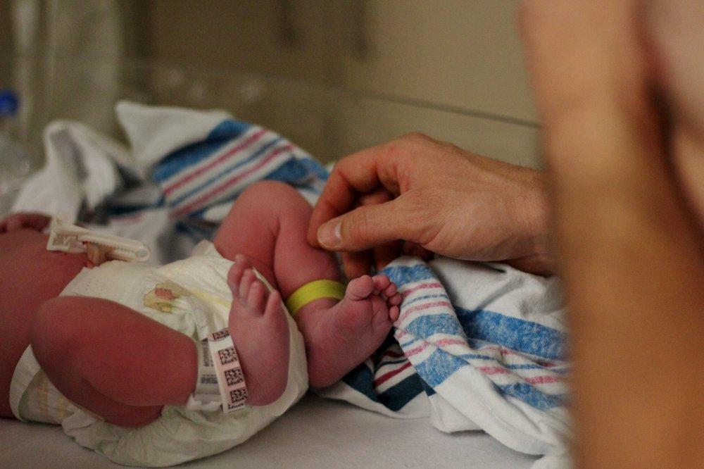 newborn-toes.jpg