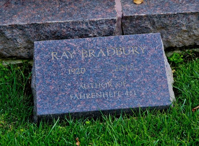 raybradbury-682x500.jpg