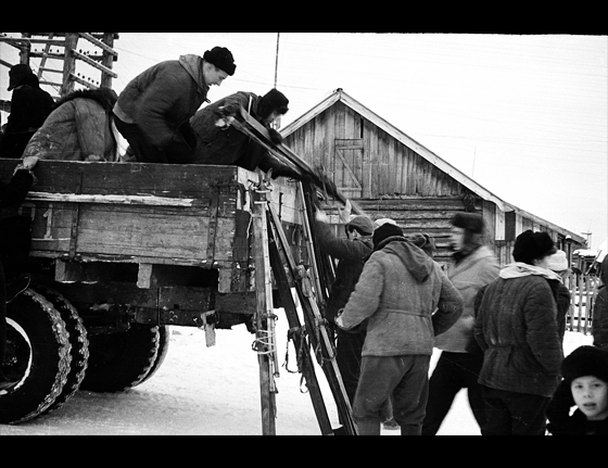 26 January 1959 – the group leaves Ivdel and gets a ride in a Russian GAZ 63 truck to the 41st Kvartal (Quarter)