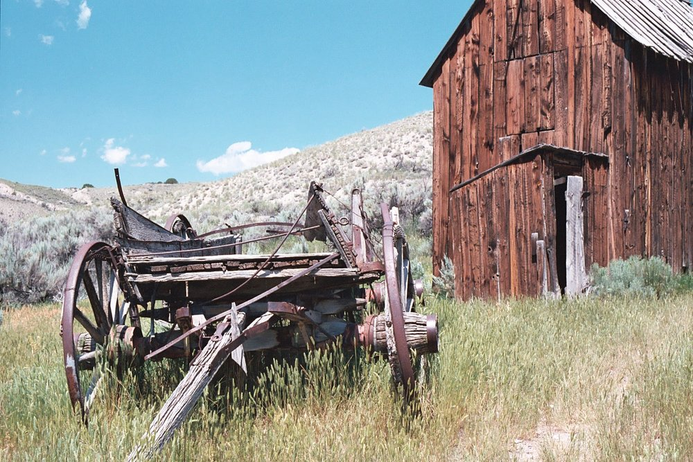Old Wagon+Barn 2.JPG