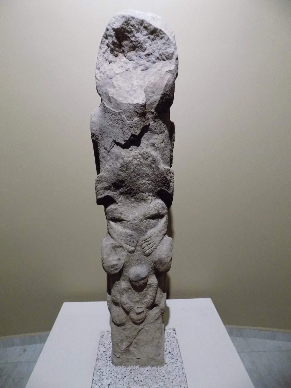 "A ""Totem"" from the Göbekli Tepe site, now in the Şanlıurfa Museum (Müzesi Neotilik Çağ) Photo by: Wikipedia User Cobija, CC by SA_4.0"