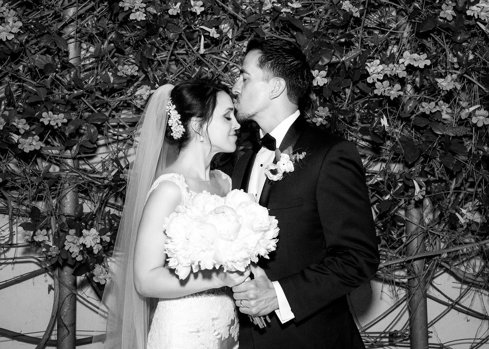 Turchin_20170421_Debora-Felipe-Wedding_265BW-X2.jpg
