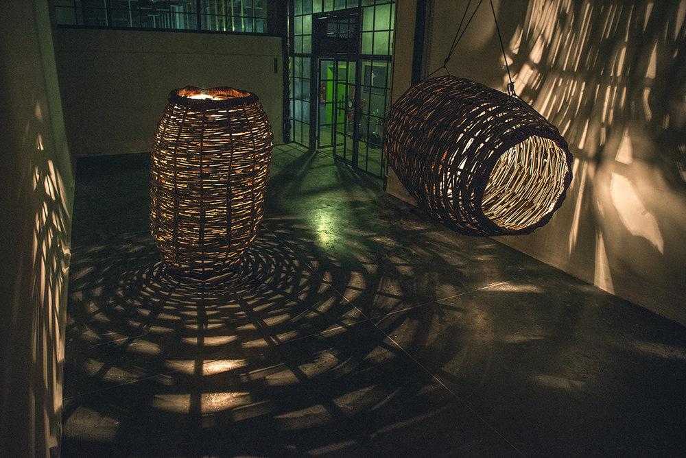 Jan Sajdak Lesne Batyskafy  instalacja 200 cm na 150 cm na 150 cm 3.jpg