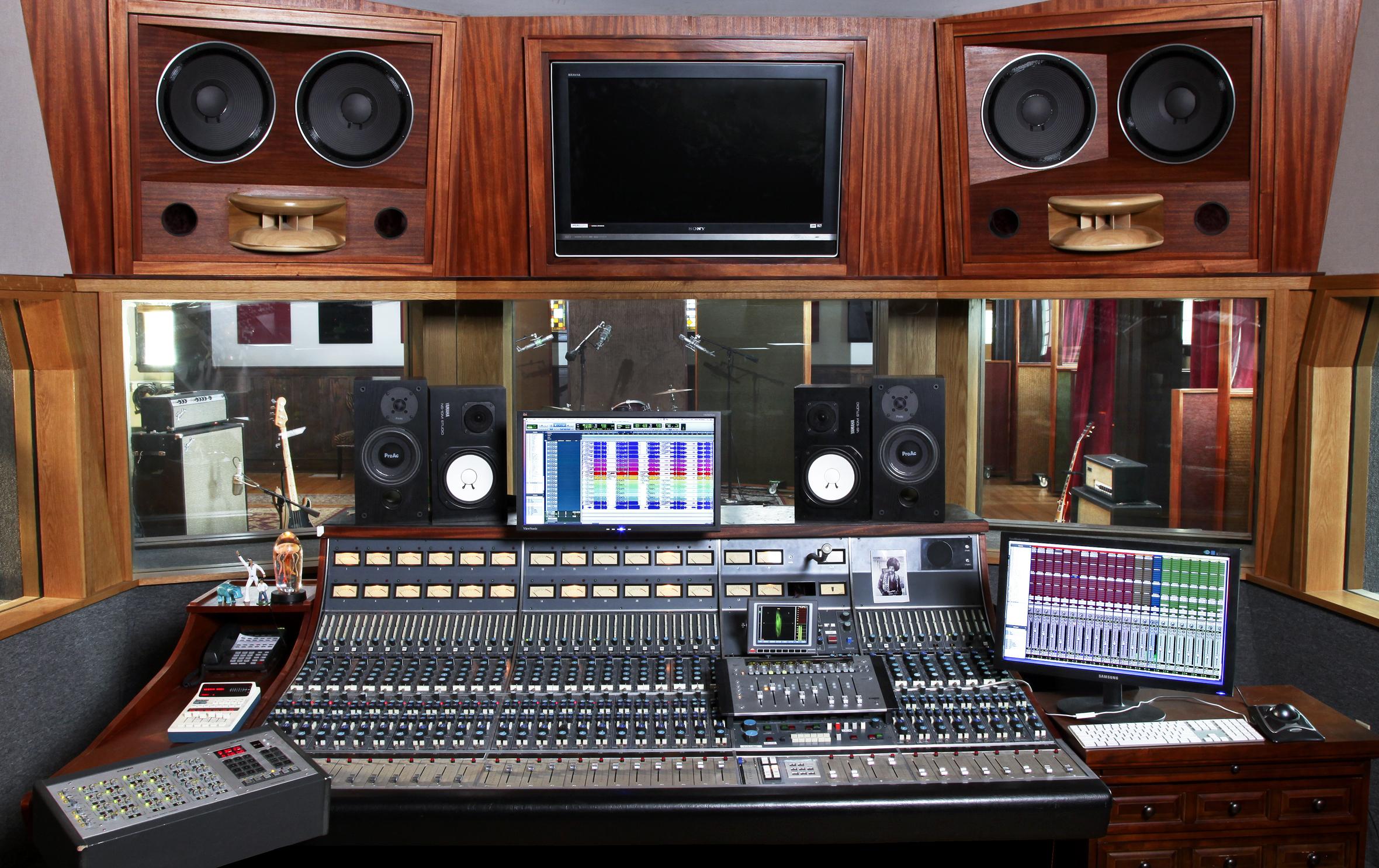 Echo Mountain Recording Room Recorder