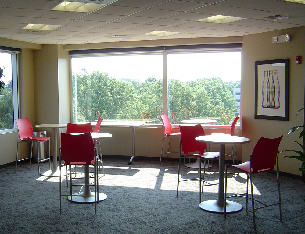 ADW-Office+Mixed-Use-Coca-Cola-Bottling-Company-Consolidated-Renovations-Charlotte-NC-break-out-room.jpg