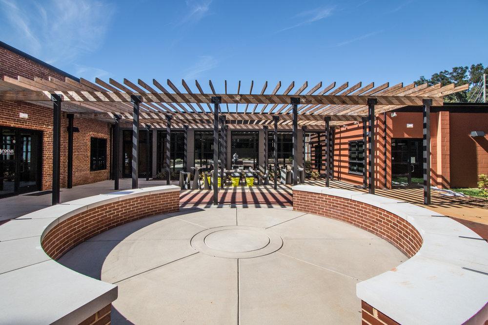Davidson College 210 Delburg 14077_courtyard closeup.JPG
