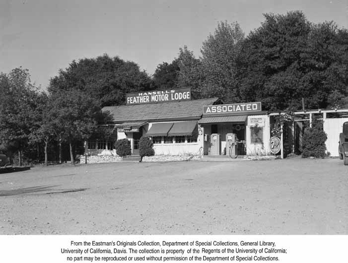 1951 Feather Motor Lodge along the Feather River Highway.jpg