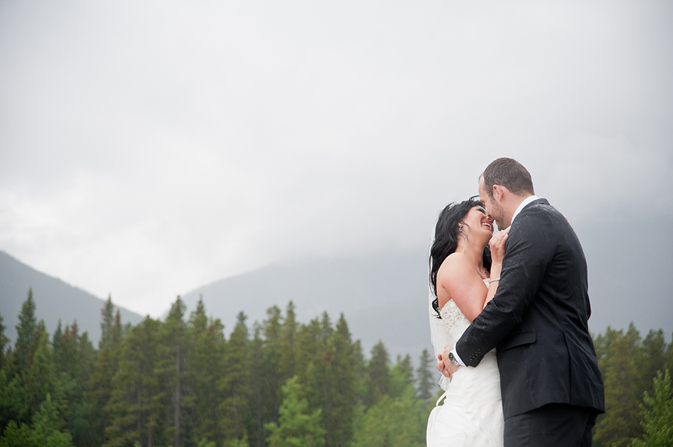 rainy canmore wedding photography
