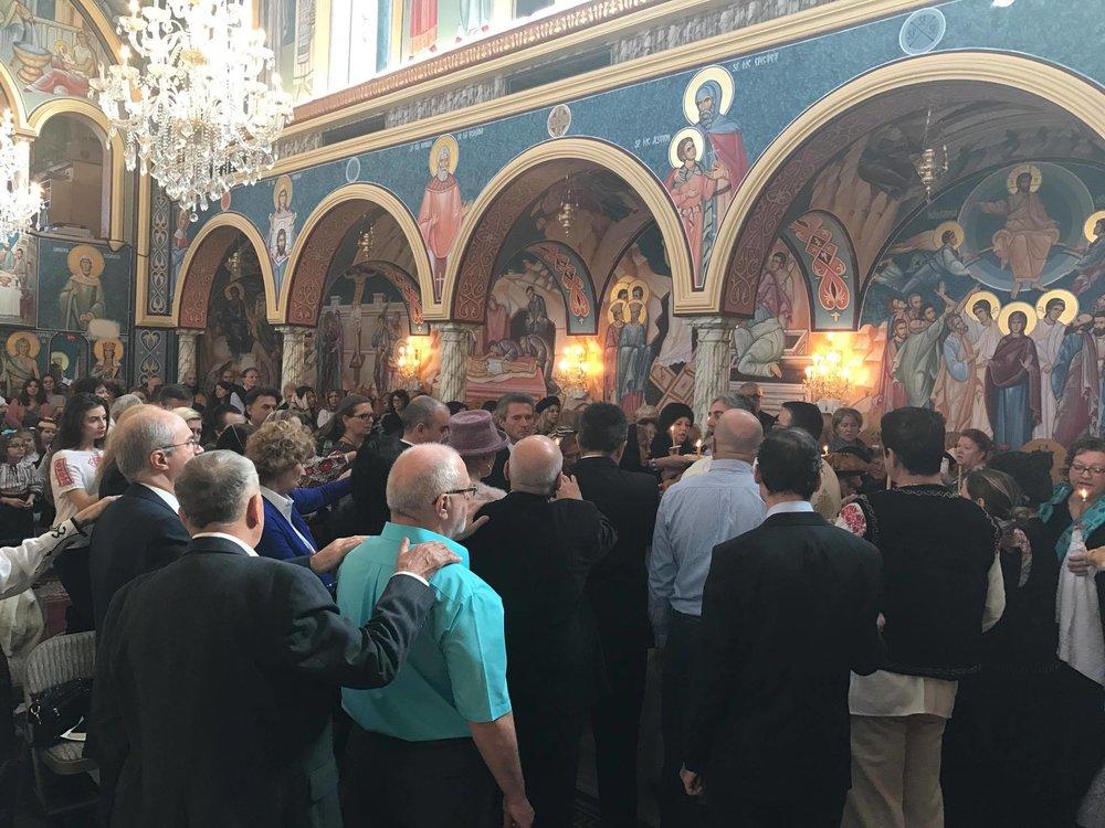Slujba parastasului pentru Pr. Nicolae Barsan si Casian Fetea si pentru toti ctitorii Bisericii.