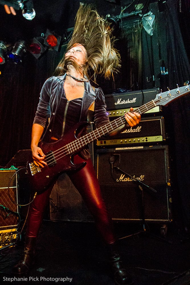 Shannon Bizzy with custom bass