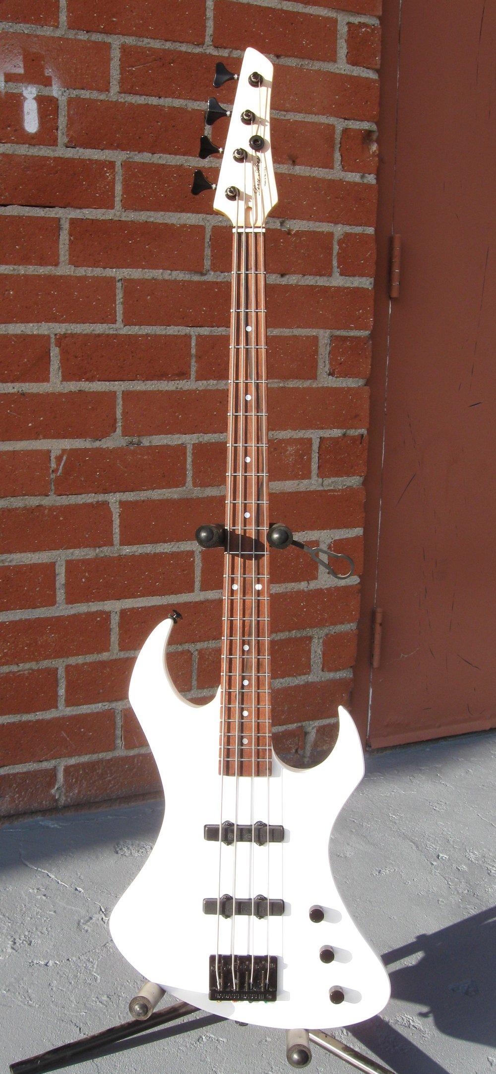 A/V bass