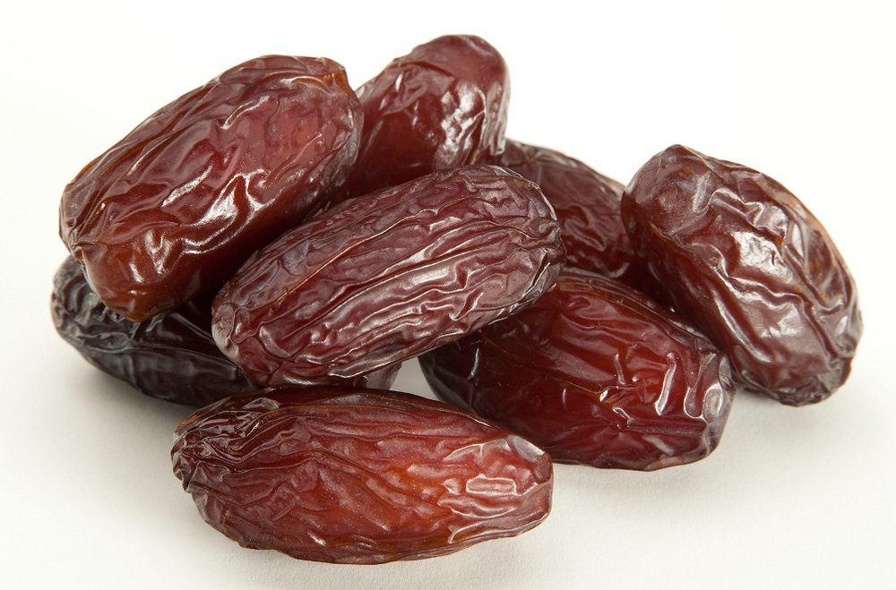 Dates Sweet, luscious and packed with fiber, dates are the perfect base for these ballz. The natural sticky consistency creates a strong base for the balls while the fiber fills you up after a difficult workout