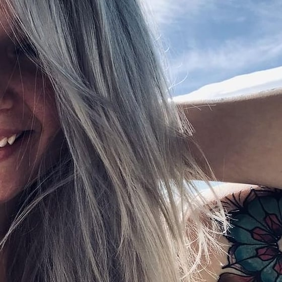 It's been a hot minute since I've done this color but hey 💁 better late than never! ☀️CLIENT SELFIES = BEST SELFIES☀️ . . . @colorado_queen0311  #hair #hairartist #haircolor #silver #silverhairdontcare #haircolormagic #selfies #clientselfie #hairmakeover #hairlove #barberlove #colorado #coloradosalon #coloradohairstylists #coloradosbest #greeley #greeleysbest #greeleyhairstylist #greeleyartist @greeleylocal @joico #feelthejoi #ipainthair