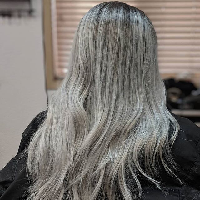 It's been a hot minute since I've done this color but hey 💁 better late than never! ☀️THIS IS A BEFORE AND AFTER☀️ . . . @colorado_queen0311  #hair #hairartist #haircolor #silver #silverhairdontcare #haircolormagic #selfies #clientselfie #hairmakeover #hairlove #barberlove #colorado #coloradosalon #coloradohairstylists #coloradosbest #greeley #greeleysbest #greeleyhairstylist #greeleyartist @greeleylocal @joico #feelthejoi #ipainthair