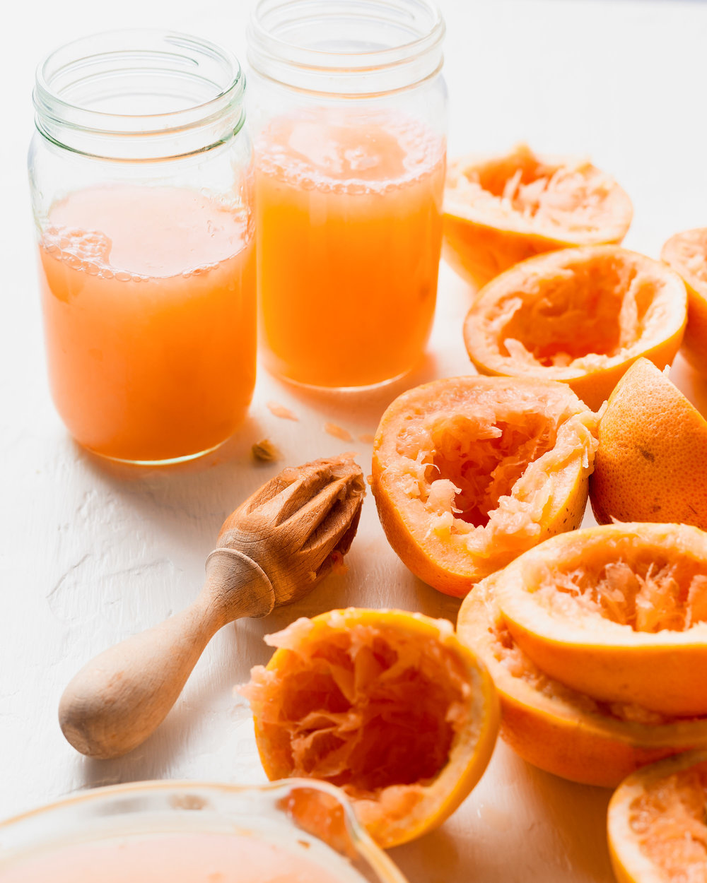food-grapefruit-fresh-squeezed-juice-lesliegrow.jpg