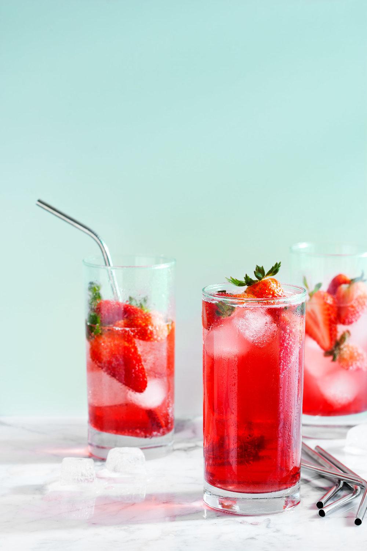 food-strawberry-spritzer-lesliegrow.jpg