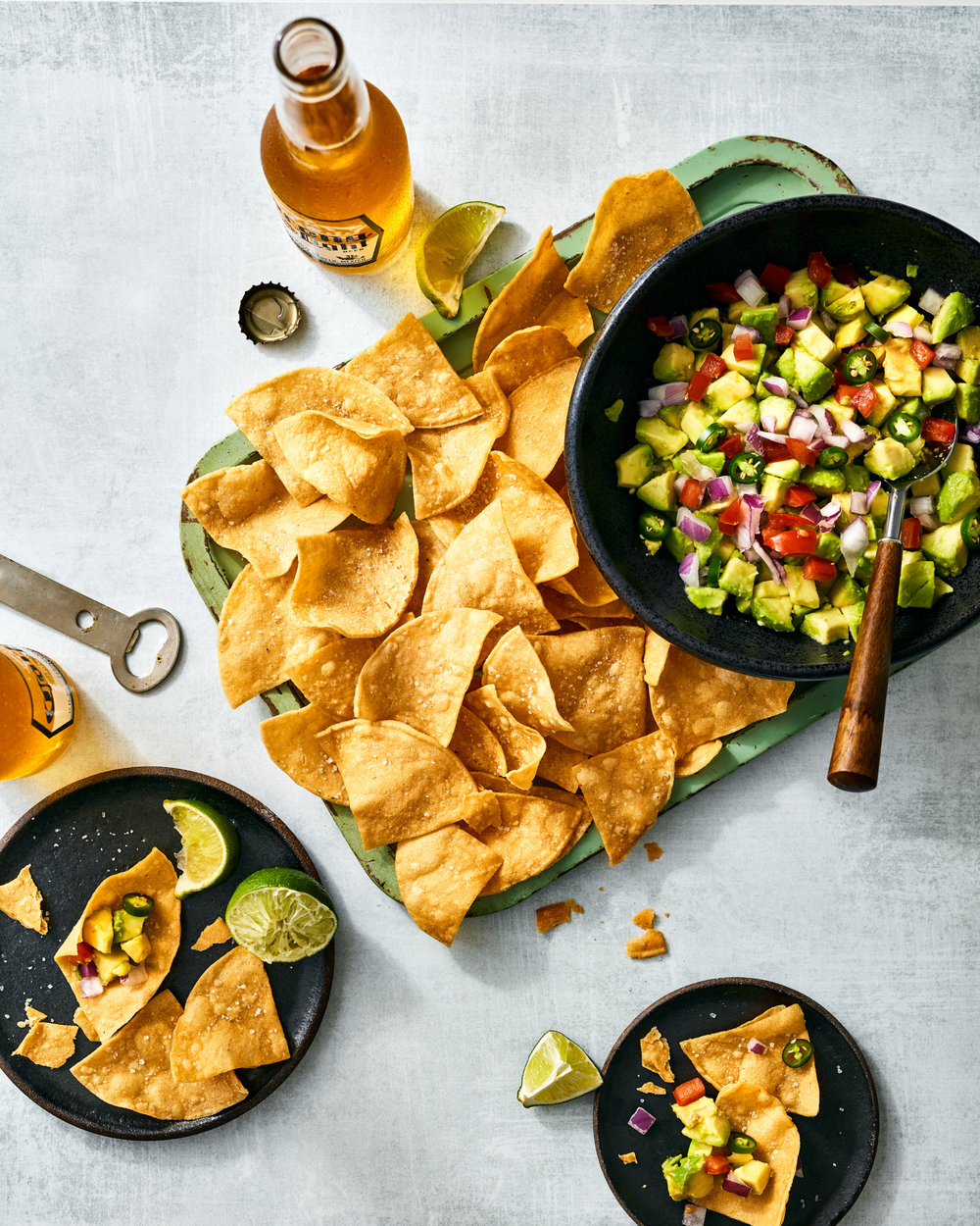 food-guacamole-chips-lesliegrow.jpg