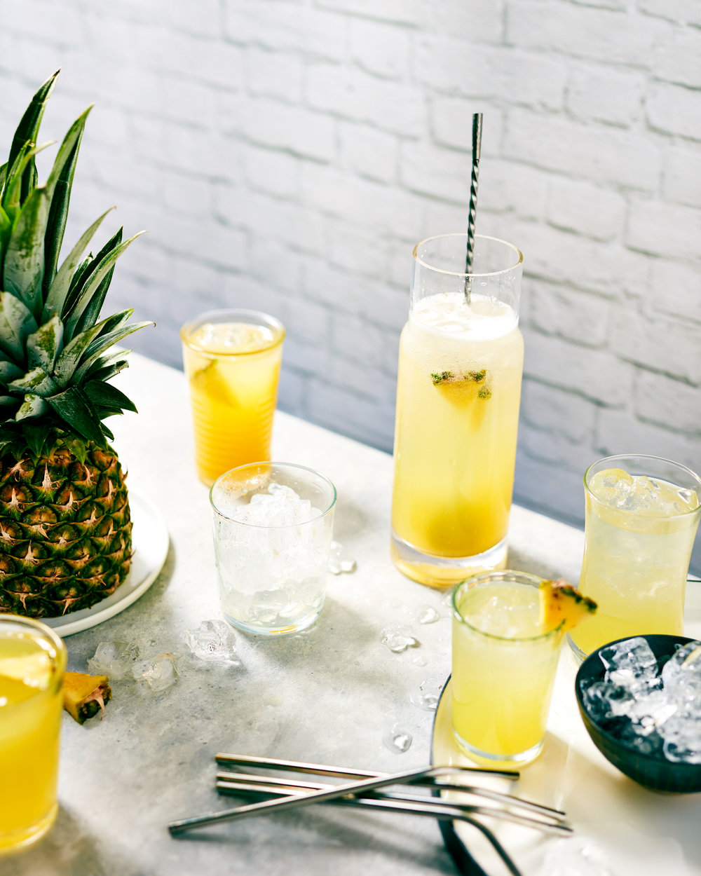 drink-pineapple-spritzer-lesliegrow.jpg
