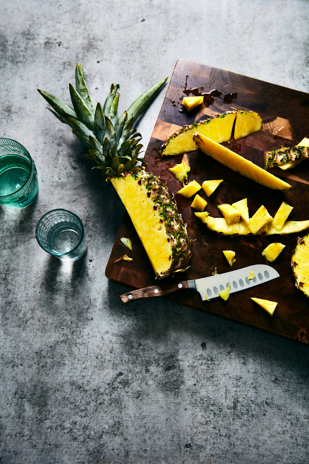 food-pineapple-cut-lesliegrow.jpg