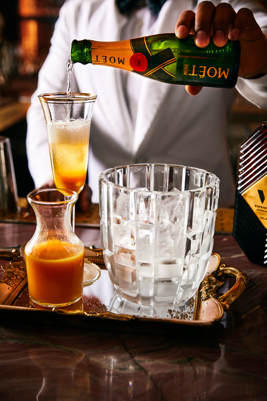 drink-locale-magazine-LAFeb18-delilah-bartender-ay-popi-lesliegrow.jpg.jpg