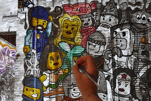 Playing at work (I really have the best job...). Swipe over to see how the multiple layers and shading bring dimension to the front of the piece. . . . #flashbacktomychildhood#paintinginprogress #lego #streetart #graffiti #streetphotography #the6ix #distillerydistrict #plexiglass #painting #instaart #legominifigures #legolove