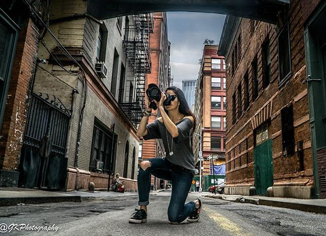 It was great to meet @shootwithlola while I was shooting around New York and Brooklyn over the past week. Thanks for the amazing photo! I'll share some of my favourite shots with ya soon. . . . #rustyalleywaysaremyjam #iheartNY #streetphotography #graffiti #streetart #contemporaryart #othersideofcamera #photographer #multimediaart