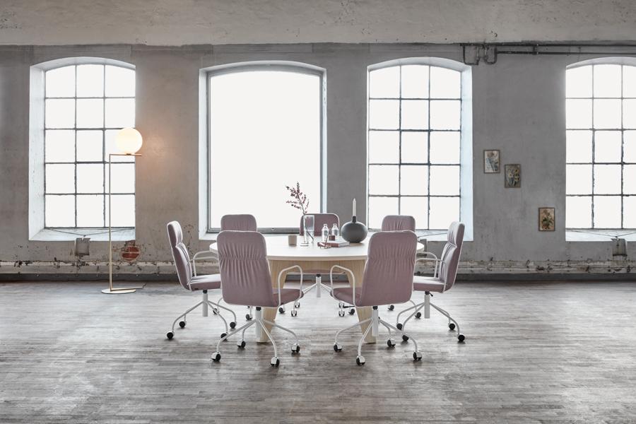 MATERIA-Sumo-conf-table-Sense-conf-chair-interior-1.jpg