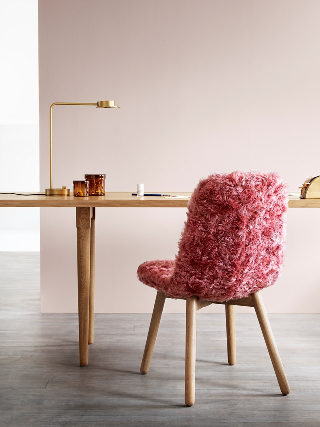 Primo by Stefan Borselius. A chair that is a sculpture that is a jewel in the room... It also offers the greatest comfort and now, with a new wooden stand, Primo appears to be even more of a classic.