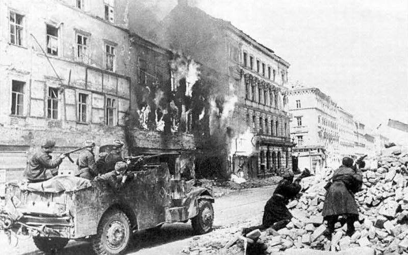 Vienna-Soviets.jpg