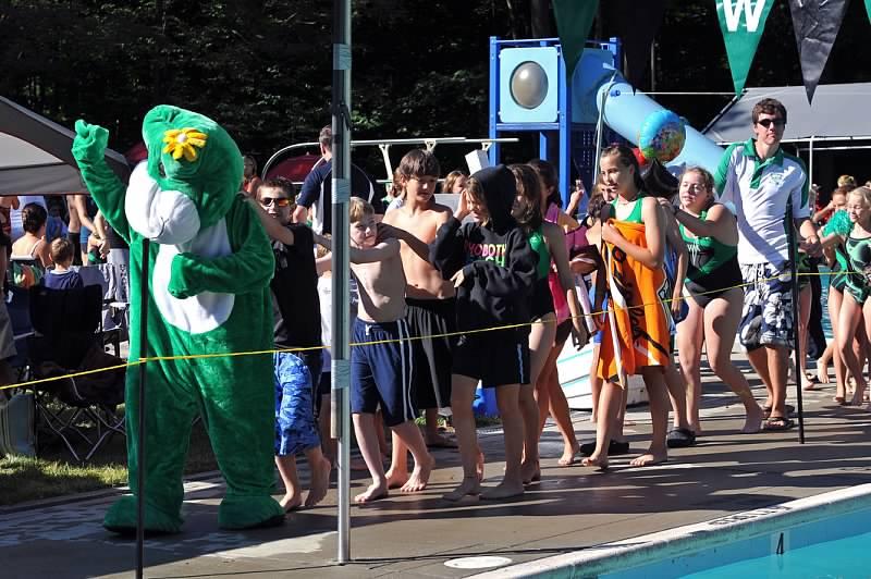 Watermont-Swim-Club-Conga-Line-2.jpg