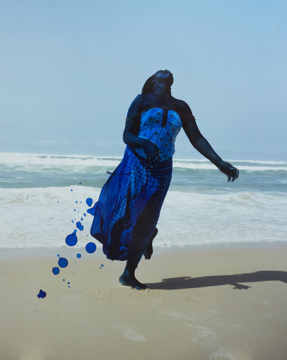Viviane Sassen, Blue Dolphin, 2017 © Viviane Sassen, Courtesy of Stevenson, Cape Town and Johannesburg