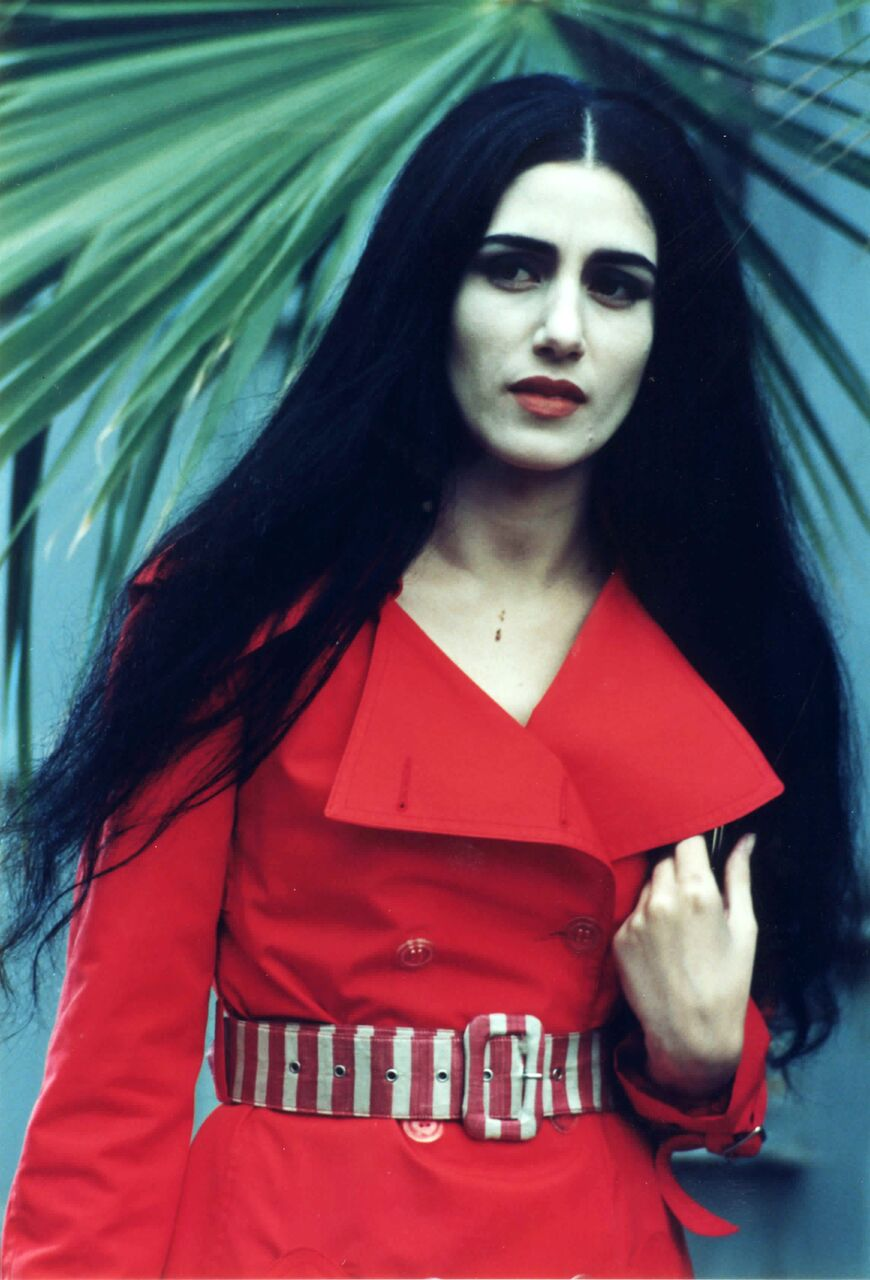 Ronit Elkabetz on the set of the film Scar, directed by Haim Bouzaglo , 1994  Photographer, Adi Kaplan, 1994 ©