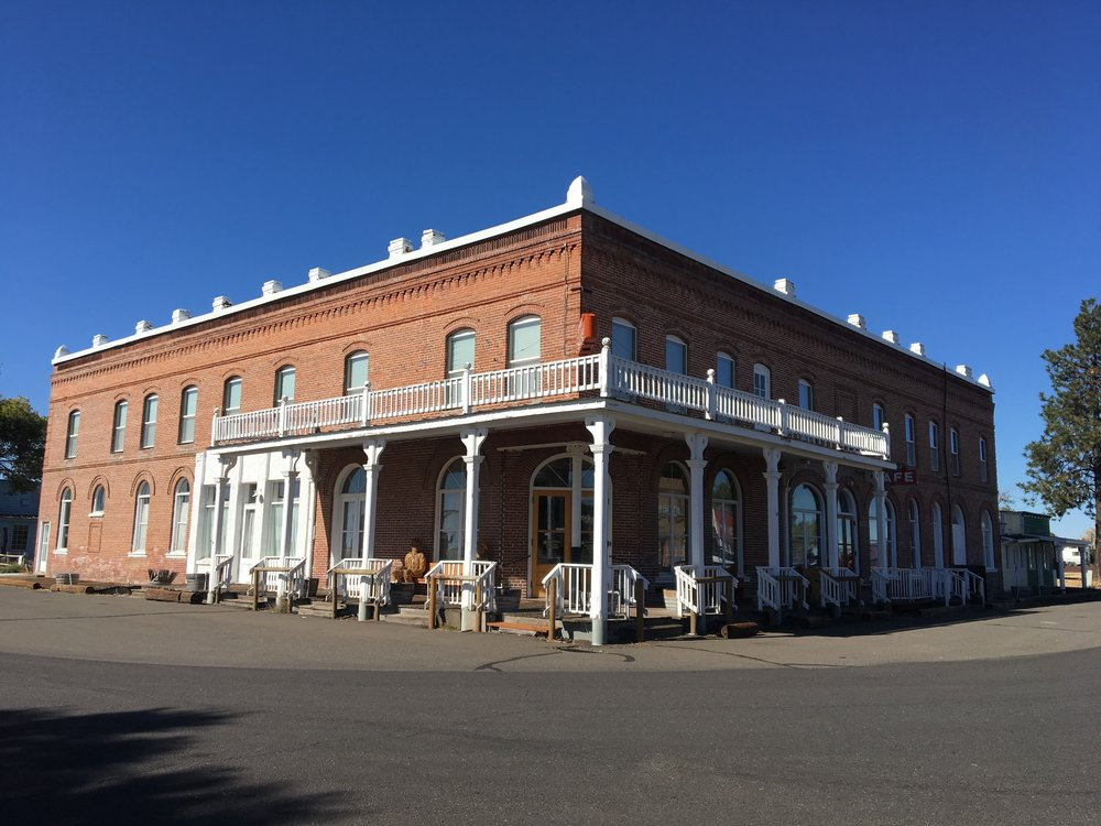 The old Shaniko hotel.
