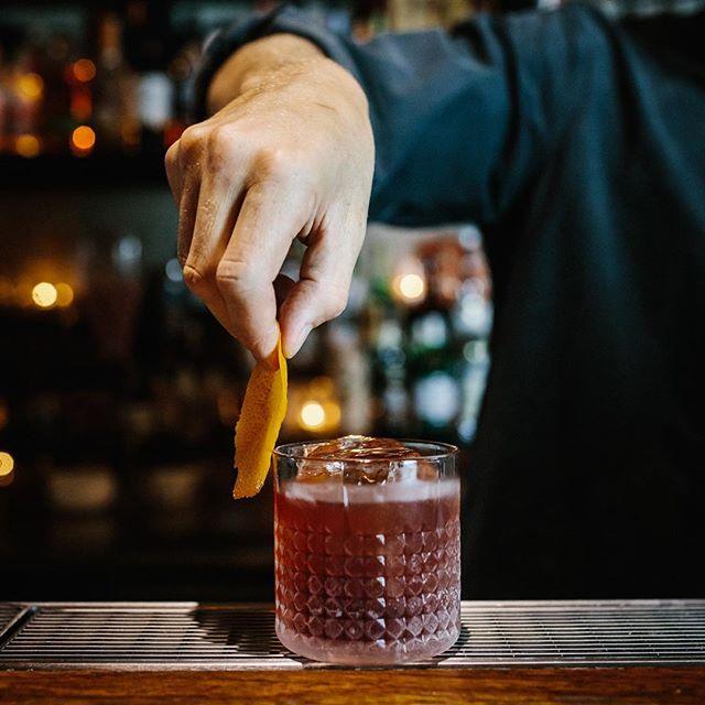 Negroni, a bartender 101. Open till late, Mon-Sat. #smallbar #gooddrinksbadconvo