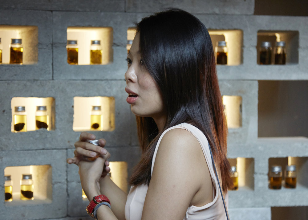 Treasure-Island-by-Mamakan-National-Museum-of-Singapore-Art-Installation-View-Girl.jpg