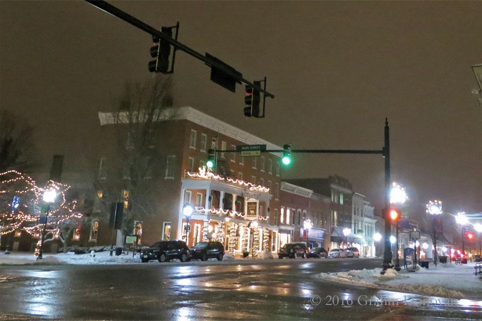 Laurel Springs Inn - Night