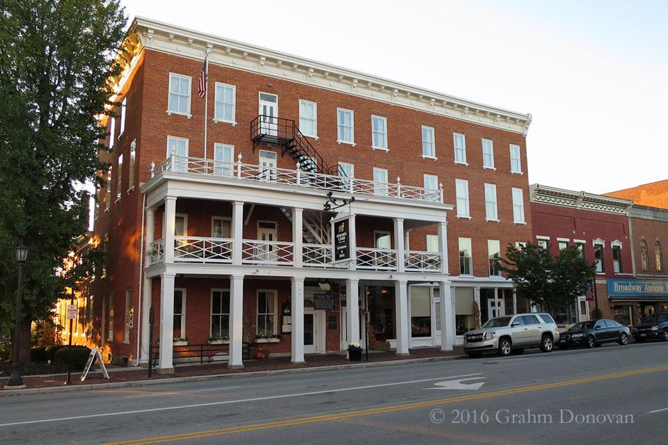 Laurel Springs Inn - Day