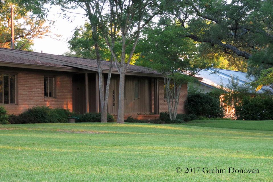 Carl's House - Angle